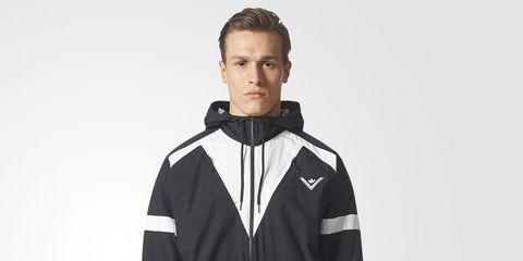 Clothing, Jacket, Outerwear, Windbreaker, Hood, Jersey, Coat, Sportswear, Neck, Sleeve,