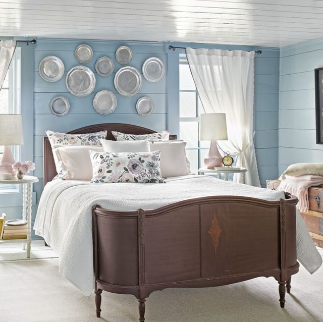5 Decor Ideas To Try Above Your Bed - How to Decorate the Space