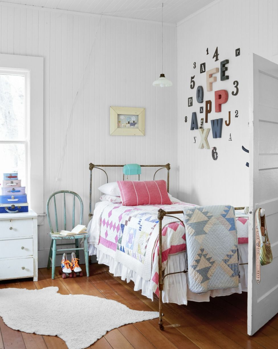 20 Decor Ideas To Try Above Your Bed How To Decorate The Space Above Your Bed