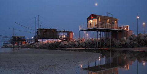 Casa sull'acqua eco-chic a Pescara in un ex-capanno da pesca