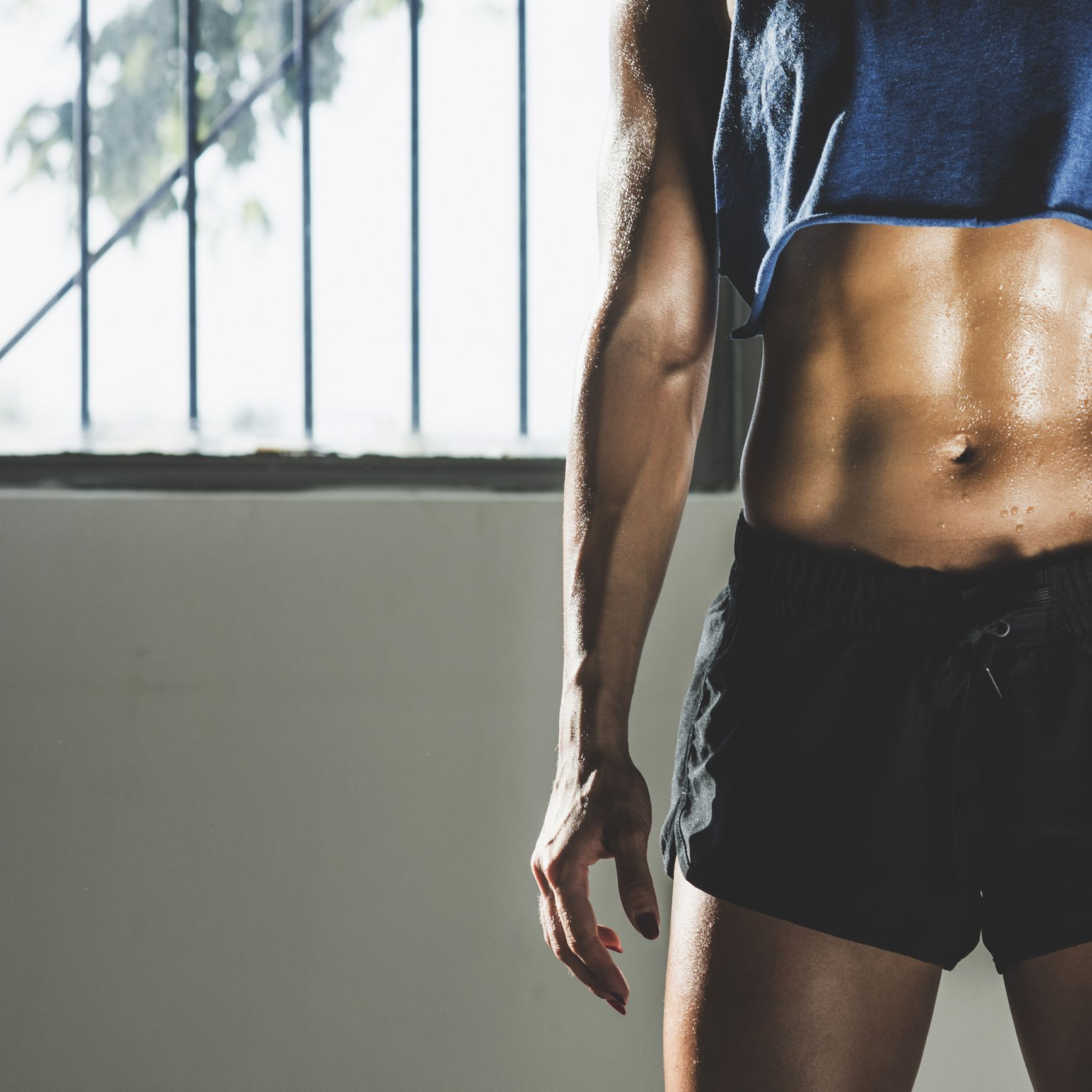 Build a Ridiculously Strong Core With This Abs Circuit You Can Do Anywhere