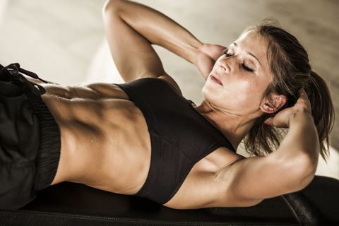 This 7-Minute Core Circuit Will Completely Crush Your Obliques and Ward Off Injury