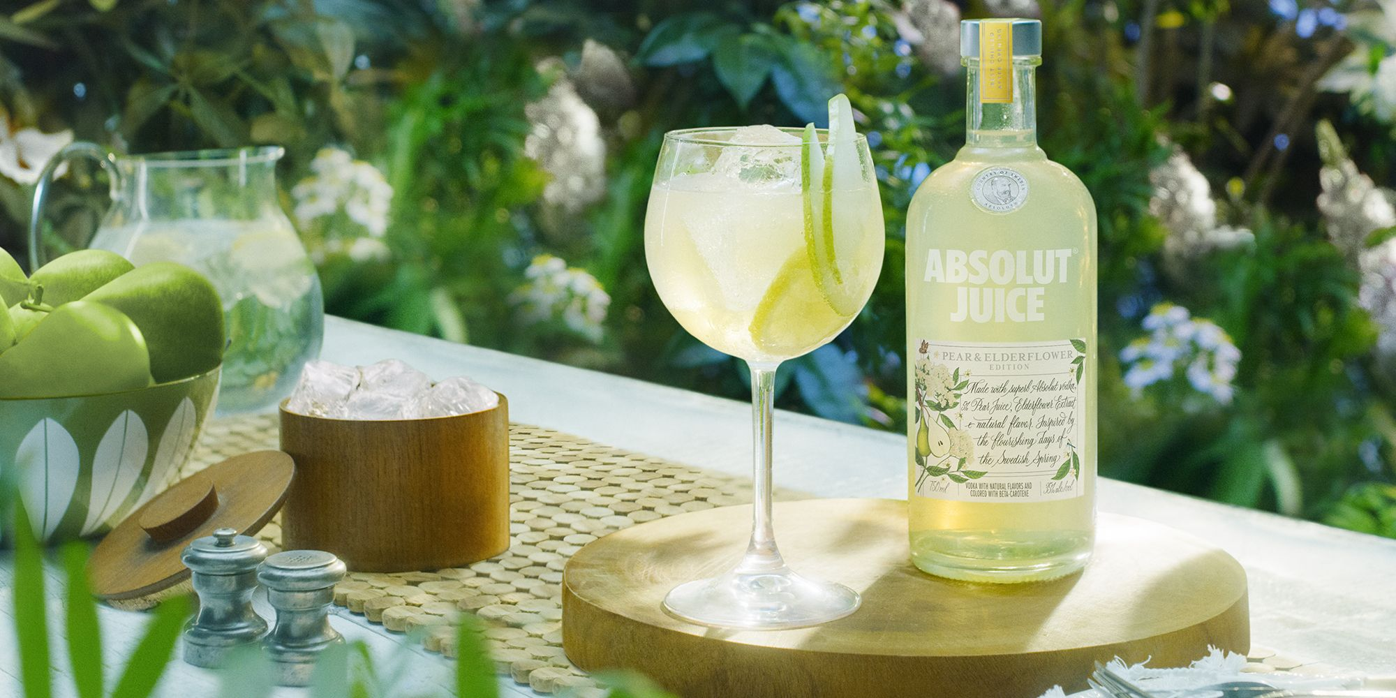 Absolut Vodka's New Pear & Elderflower Flavor Is Made With Real Fruit Juice