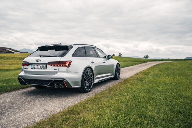 abt-rs6-hr22-rear-diagonally-nature-1594