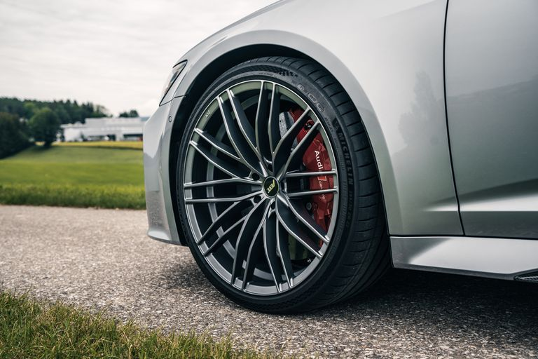 abt-rs6-hr22-rim-close-1594301892.jpg?re