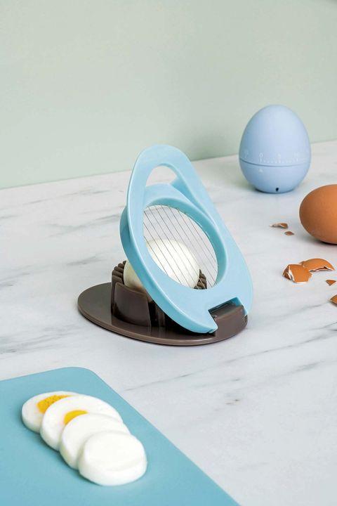Menaje: Temporizador de cocina y cortador de huevos