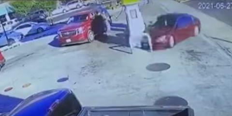 accidente coche gasolinera