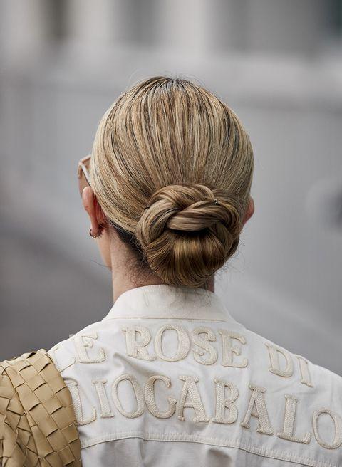acconciatura capelli lunghi semplice