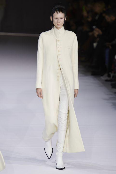 Fashion model, Fashion, Fashion show, Runway, White, Clothing, Haute couture, Public event, Event, Human,