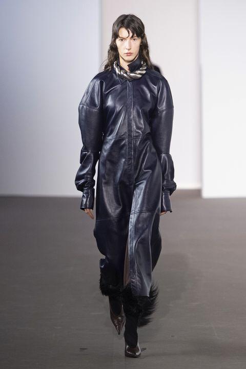 tendenze moda autunno inverno 2020 2021 pelle nera