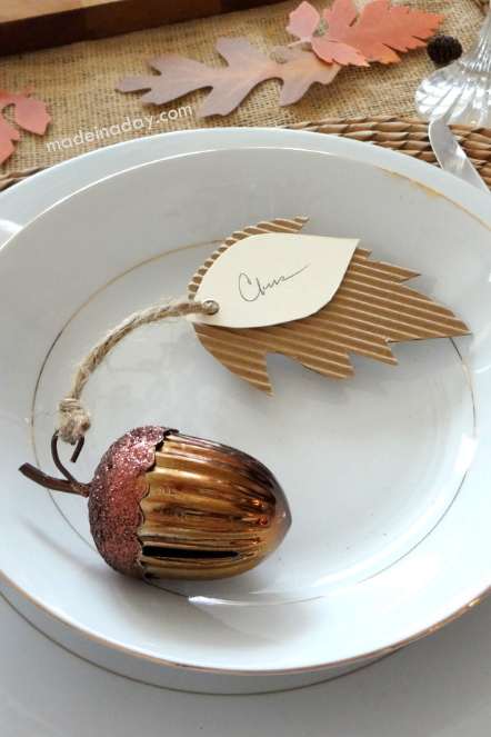 thanksgiving place cards - acorn leaf place cards