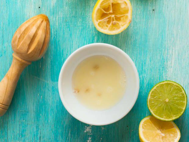 acqua tiepida con perdita di peso di succo di limone