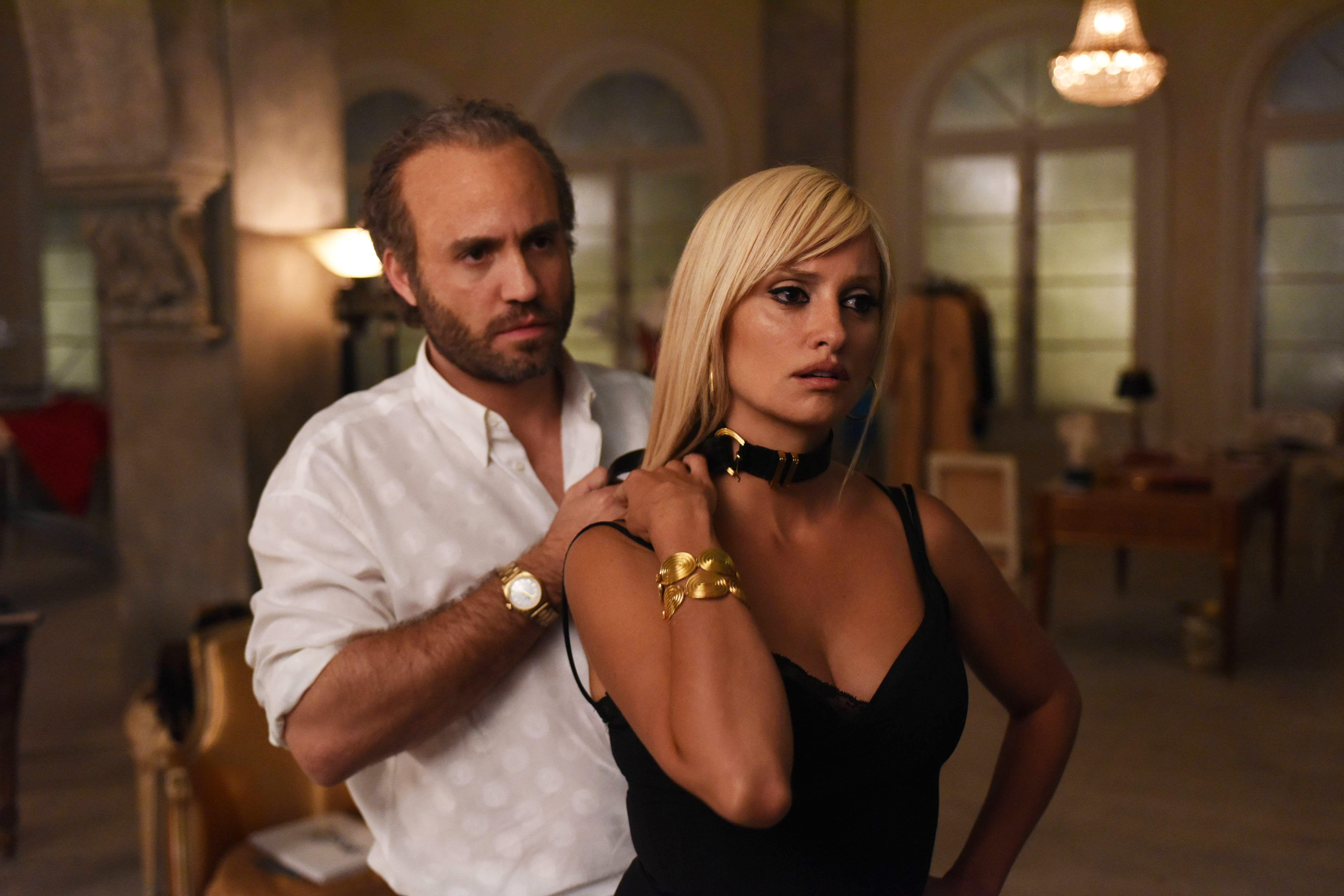 2bba4a9e0fc The Assassination of Gianni Versace Episode 7 Spotlights Penelope Cruz s  Donatella