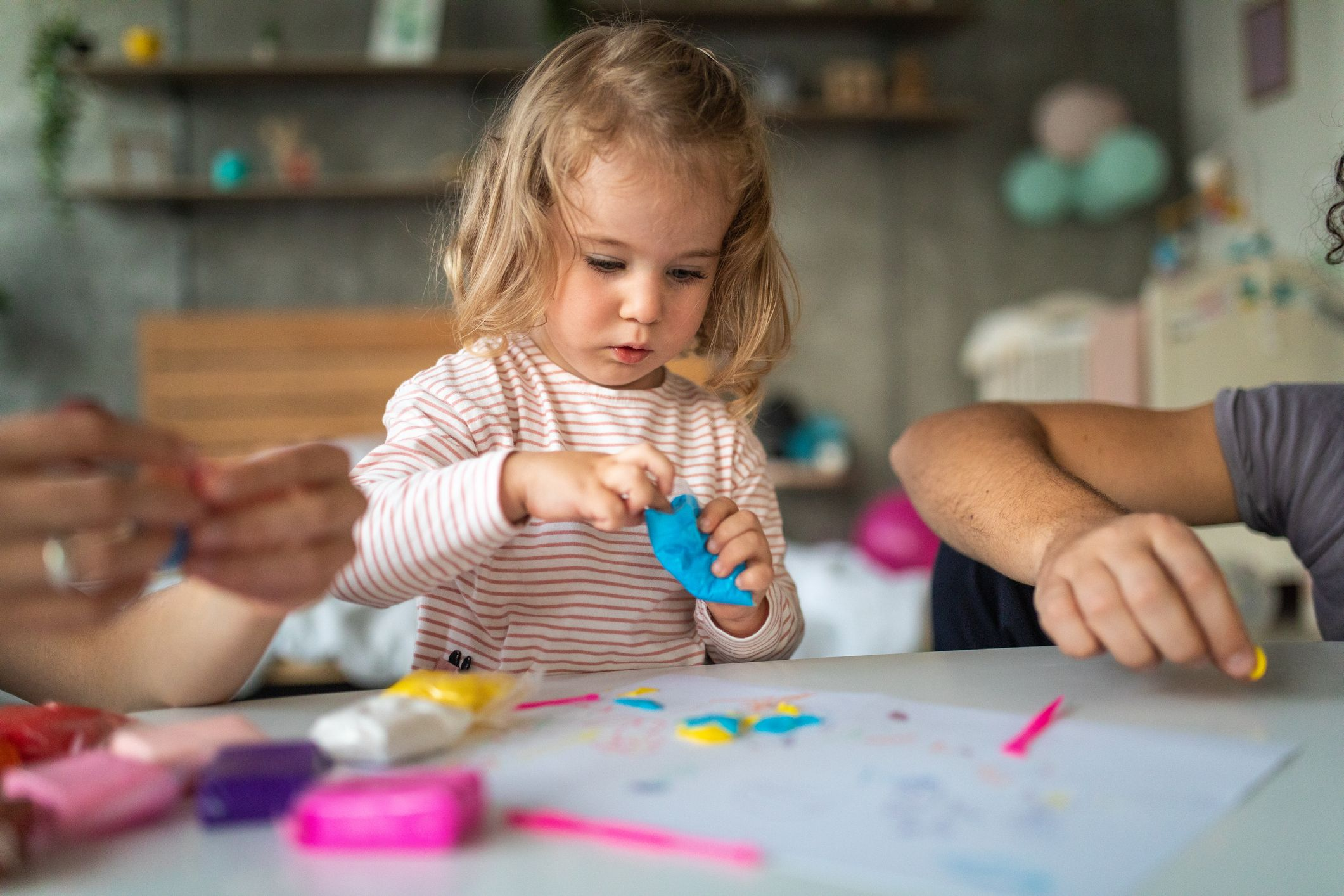 15 Activities For Toddlers That Won't Bore Them To Tears
