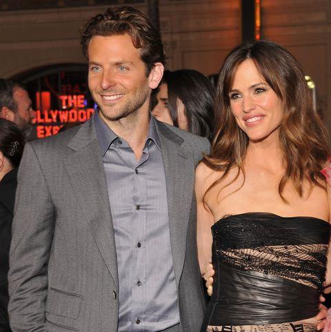 Jennifer Garner & Bradley Cooper Made Sandcastles With His Daughter