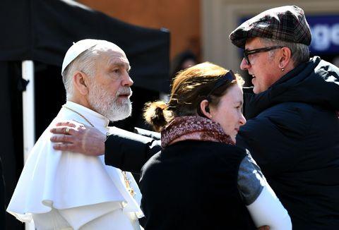 the new pope wordt gefilmd, een van de beste videoland series van 2021