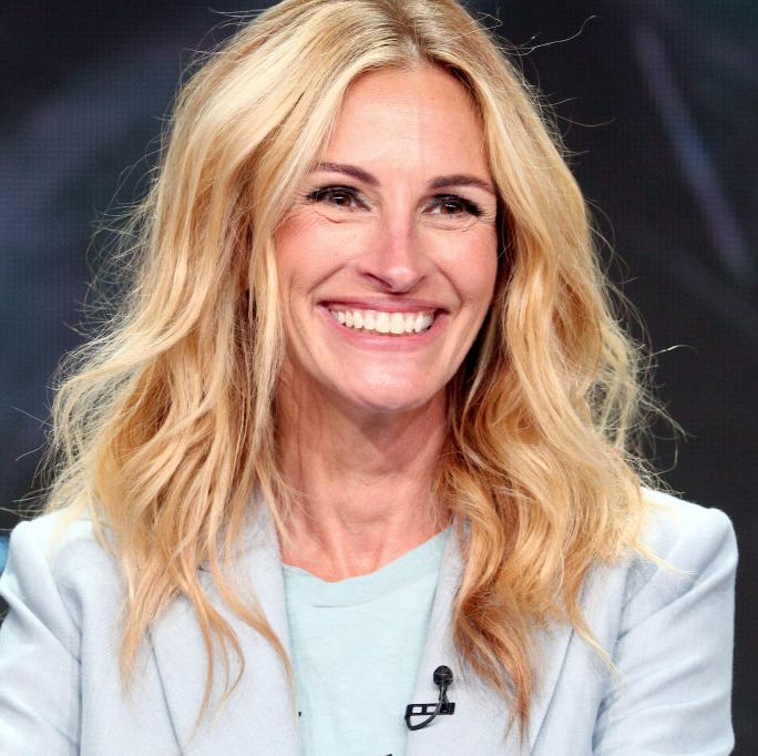 Julia Roberts, 51, Reveals the Skincare Routine That Makes Her Look 10 Years Younger