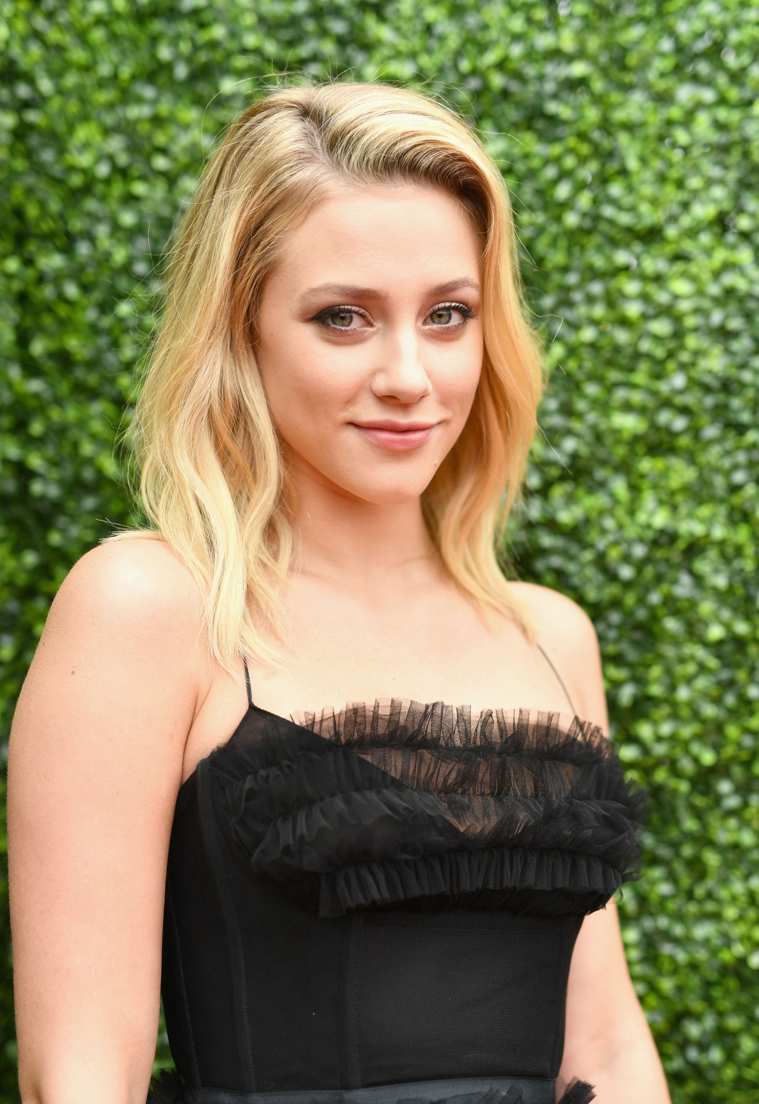Holy Sh*t, Lili Reinhart Has a Secret Actress Twin Who Looks EXACTLY Like Her
