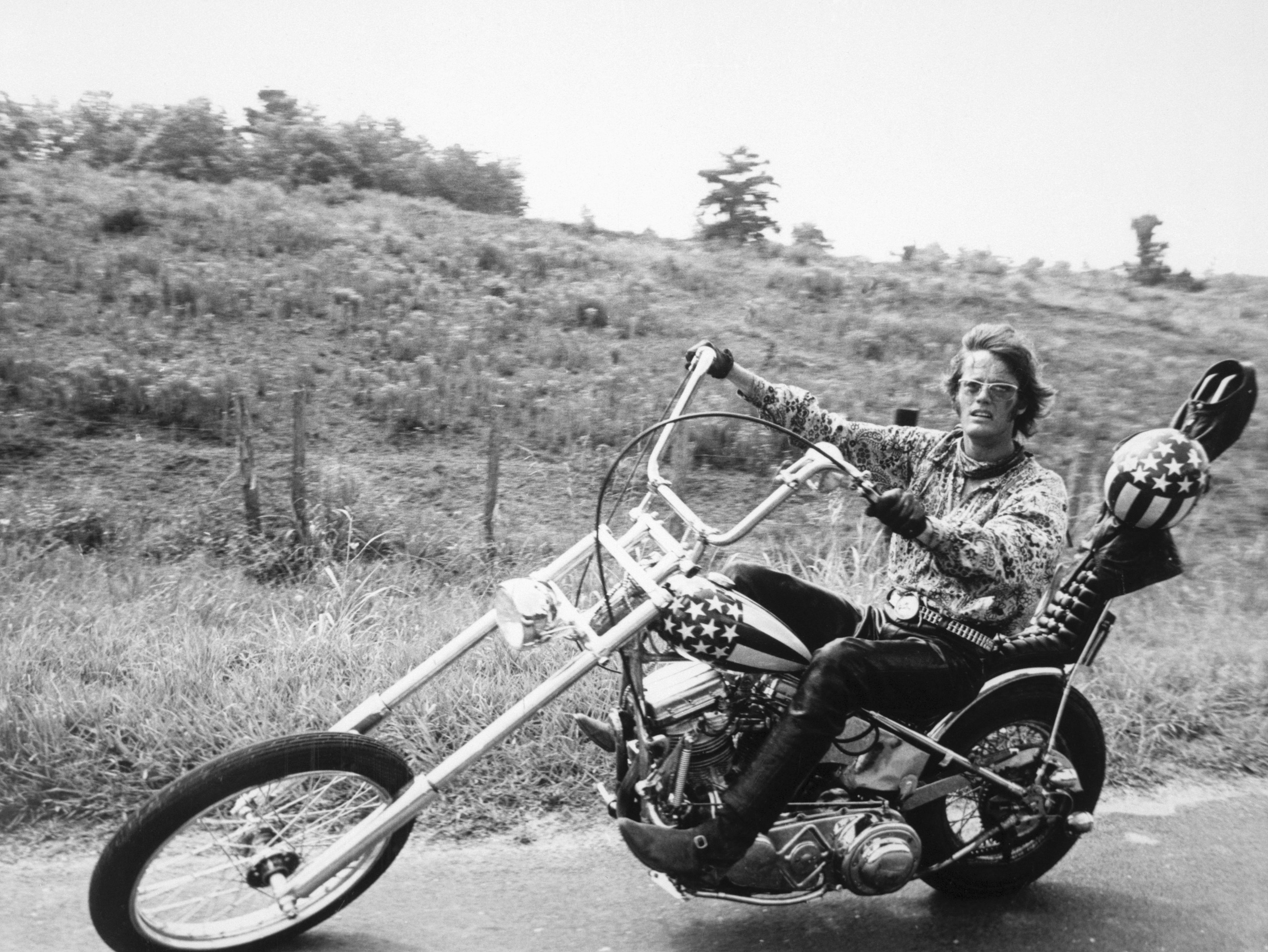 Remembering The Life Of Peter Fonda In Pictures
