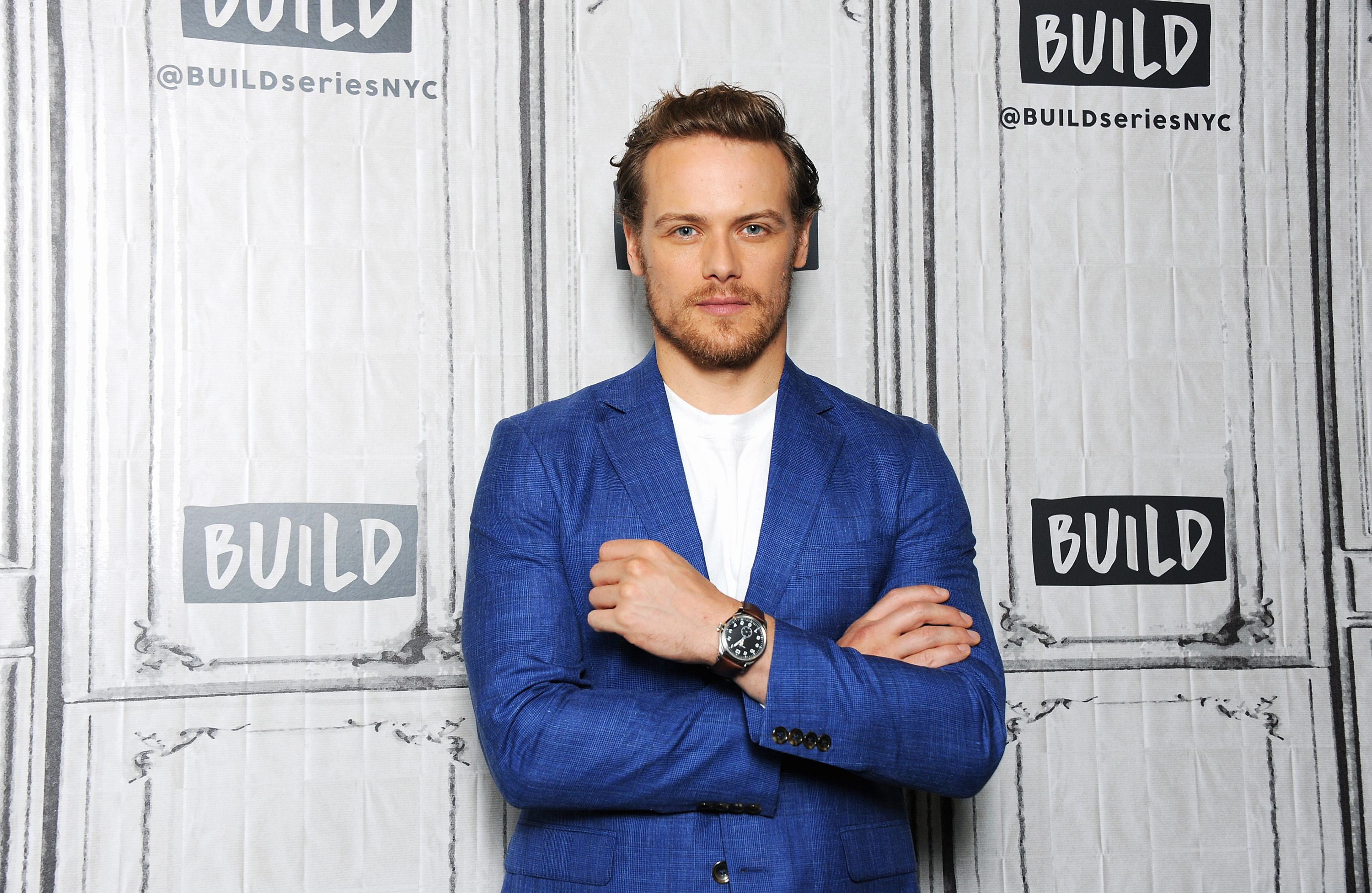 Sam Heughan Absolutely Nails Suited-Up Summer Style
