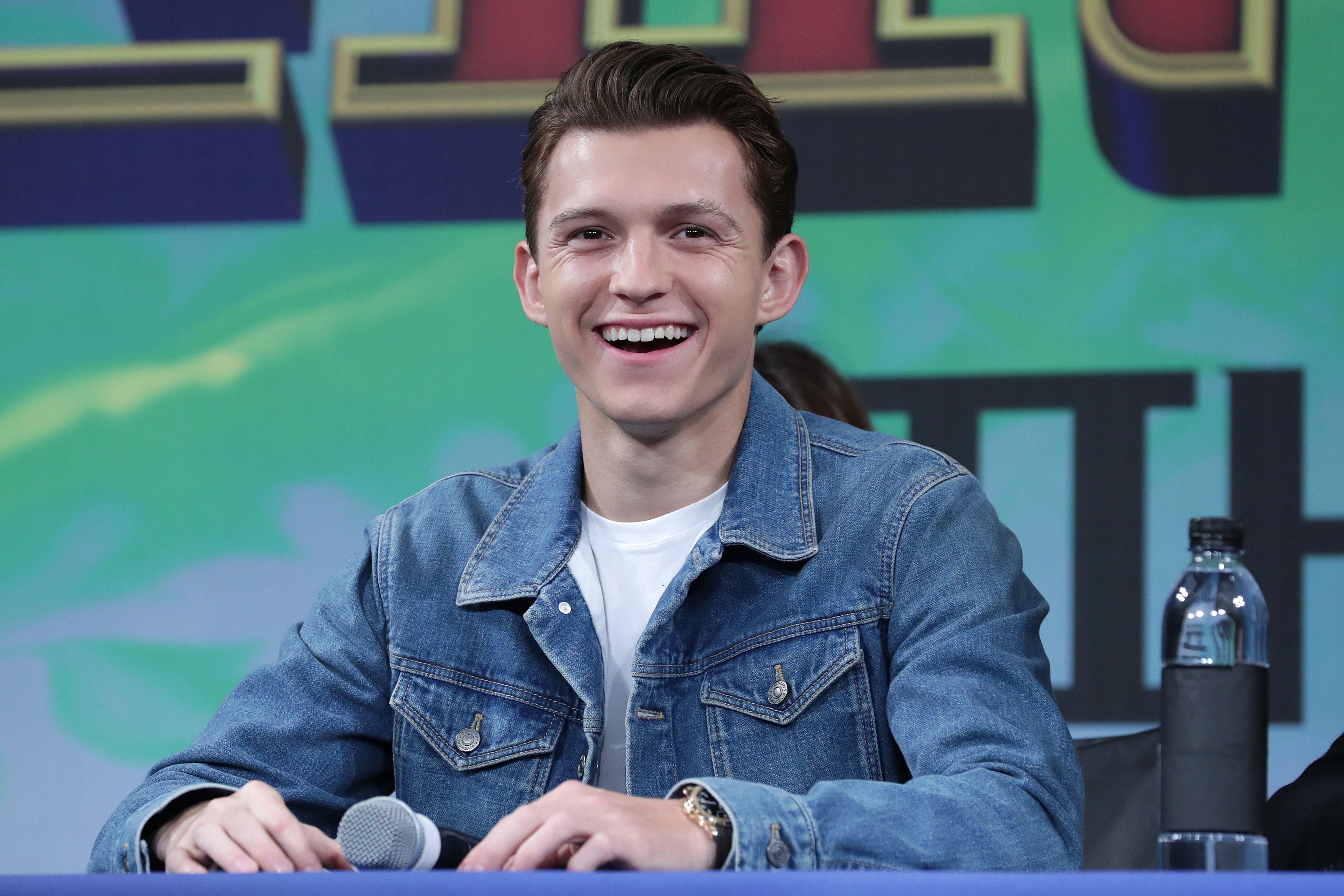 Tom holland gay