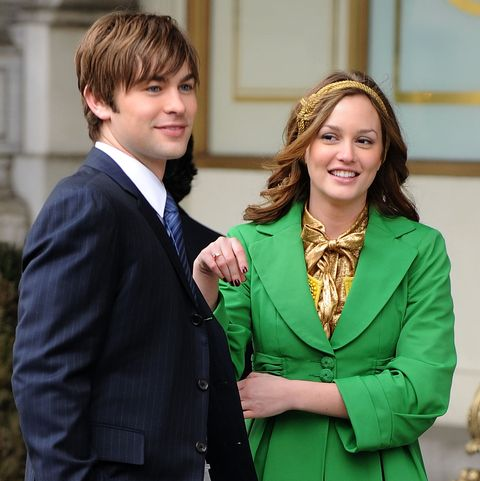 Chace Crawford and Leighton Meester shooting Gossip Girl