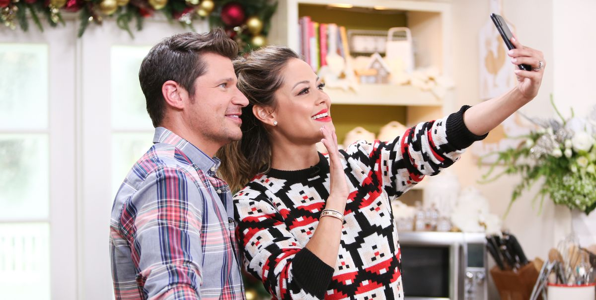 6 Christmas Traditions That Vanessa And Nick Lachey Have