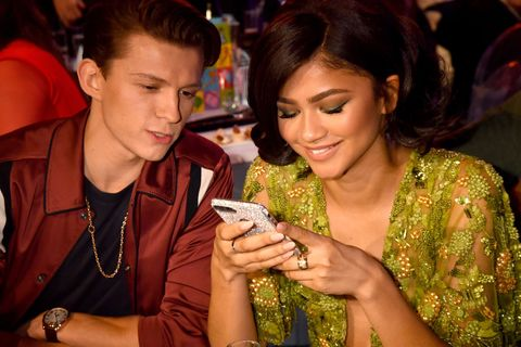 Signs That Zendaya and Tom Holland Are Dating - Zendaya ...