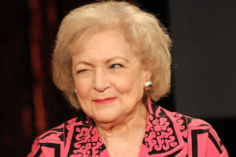 """betty white visits fuse's """"no 1 countdown""""   june 11, 2009"""