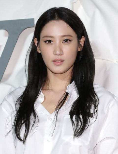 louis vuitton   photocall claudia kim