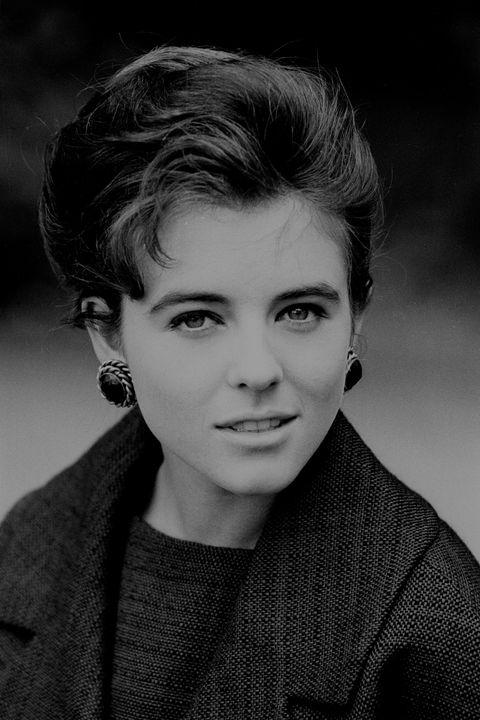 Liz Hurley - 1989