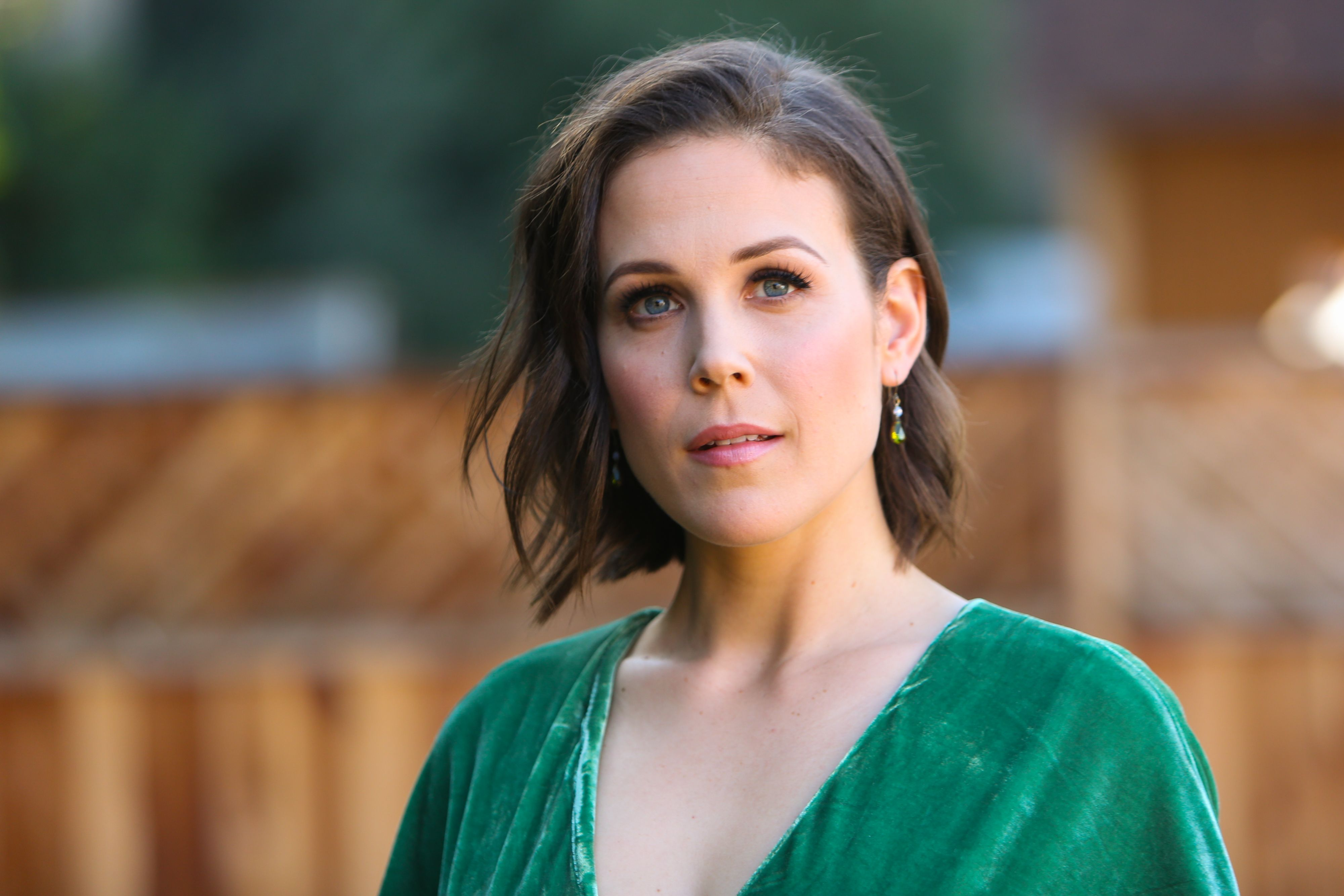 'When Calls the Heart' Star Erin Krakow Shares Sultry Pictures from New Photoshoot