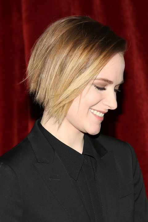 17 Best Short Hairstyles For Round Faces Pixie Bob And