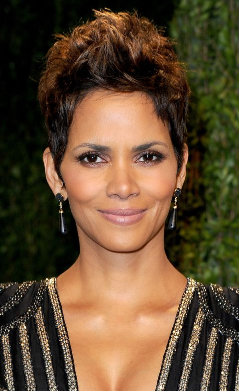 halle berry – short natural hairstyles