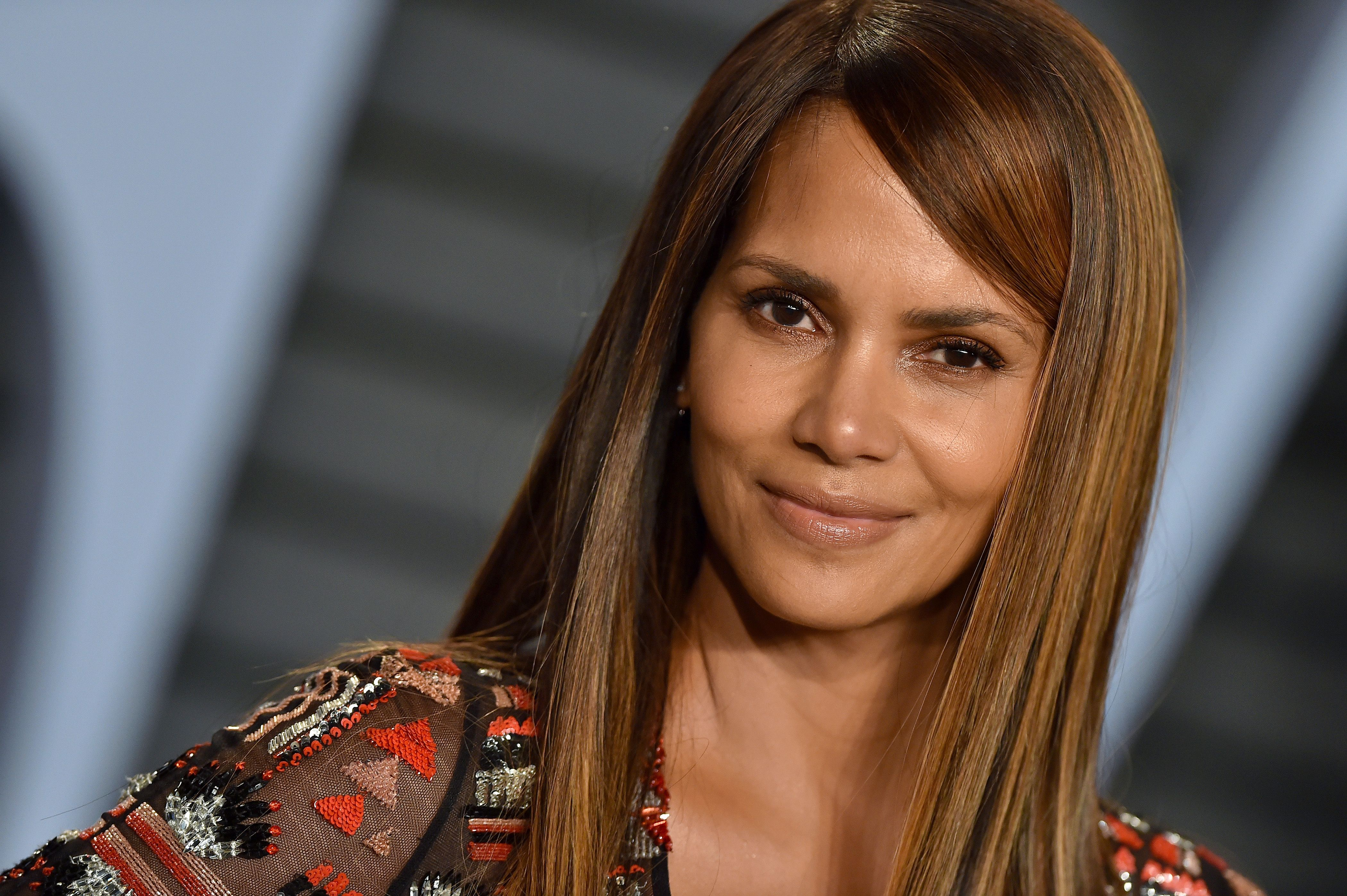 Halle Berry Is Obsessed With This Keto Cookbook
