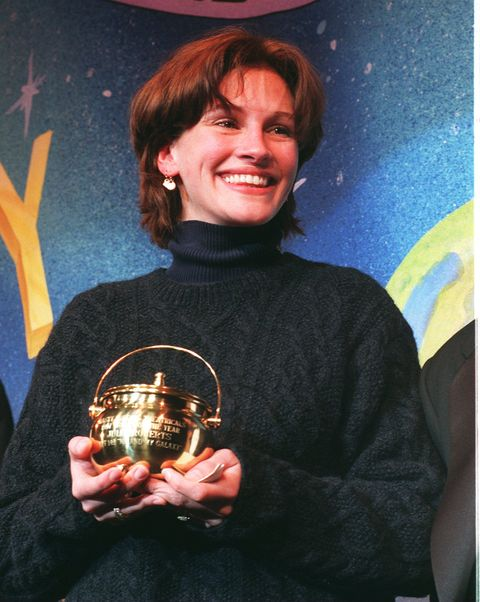 hasty pudding woman of the year 1997   julia roberts