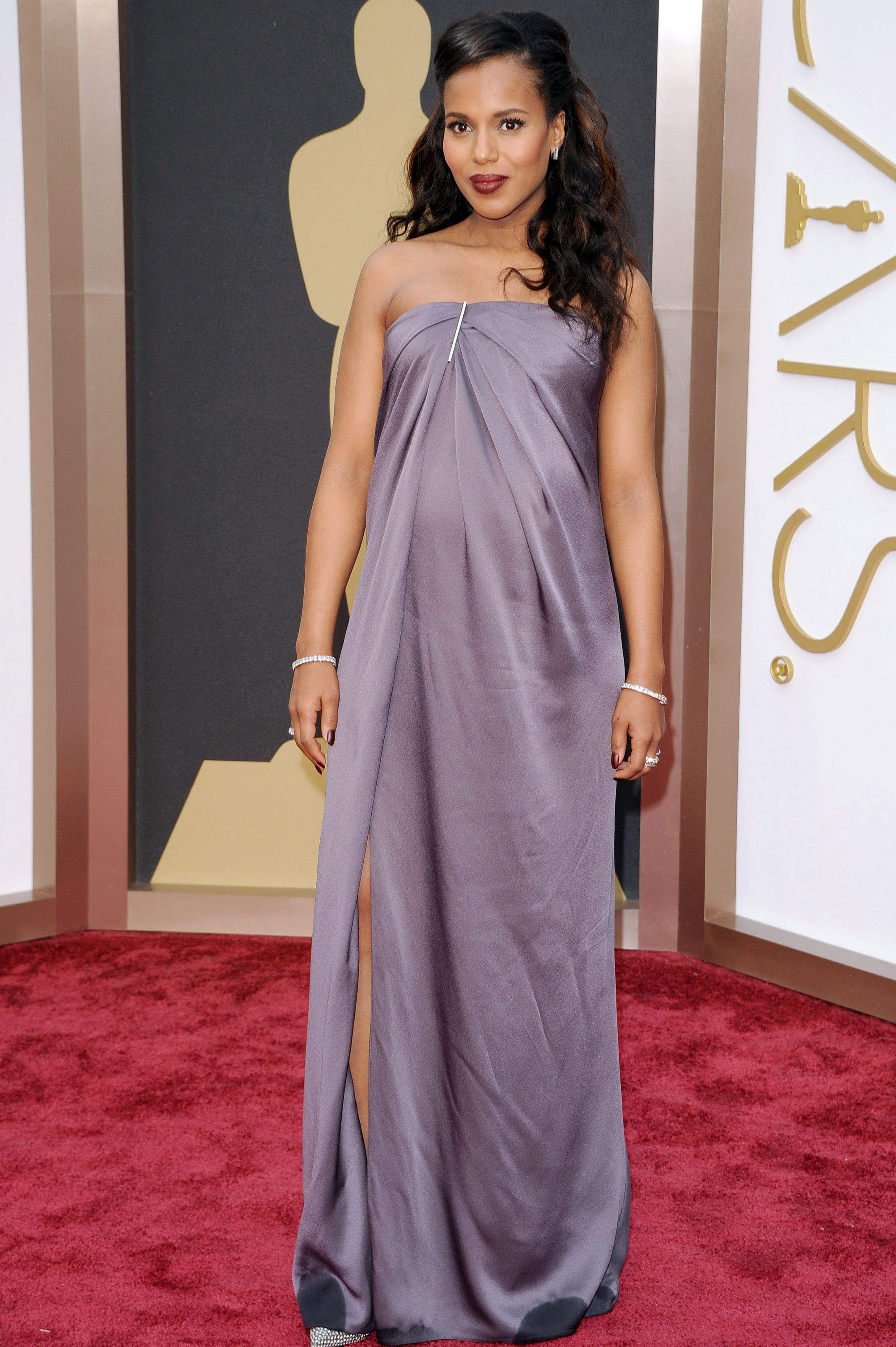 Kerry Washington, 2014 Have you seen a chicer pregnant woman than Kerry Washington at the 2014 Oscars in this strapless Jason Wu dress? Pregnancy glow is real.