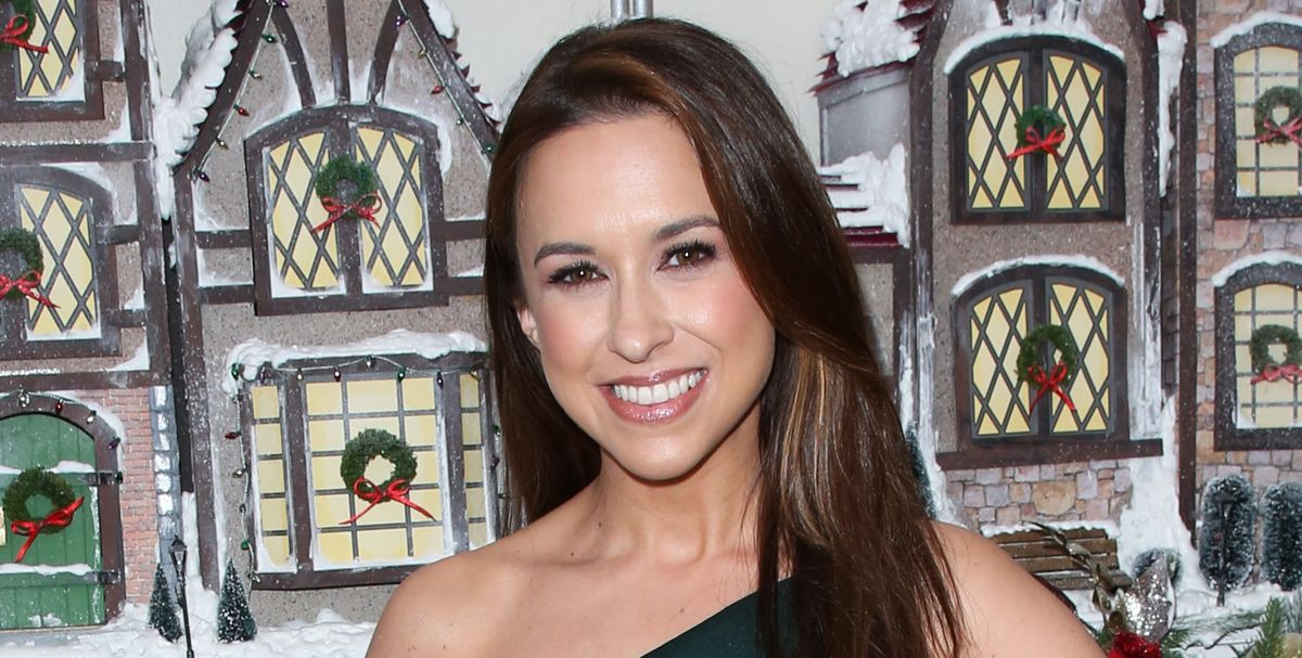 'Pride, Prejudice, and Mistletoe' Actress Lacey Chabert ...