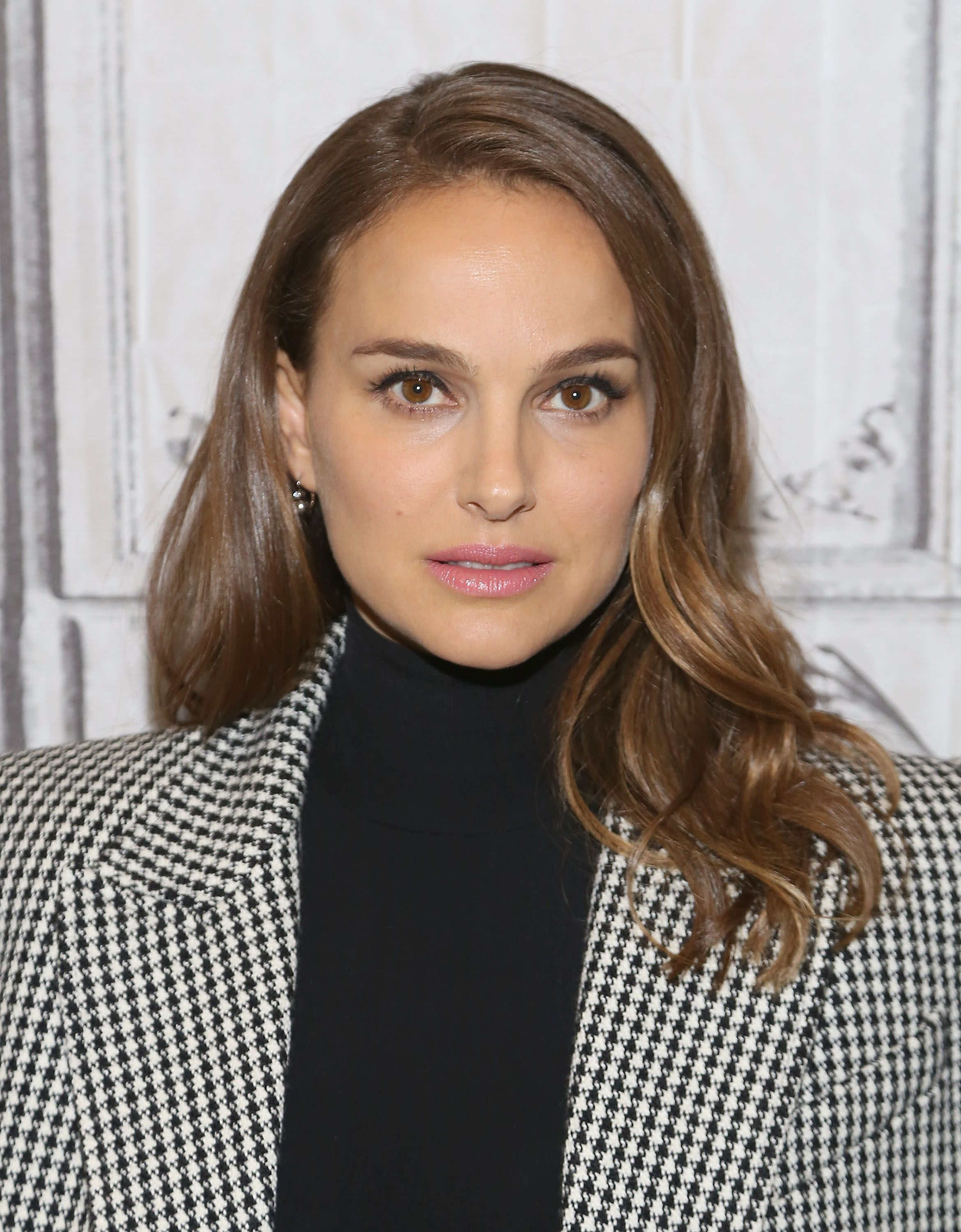 Best Hairstyles for Square Face Shapes , Celebrities with