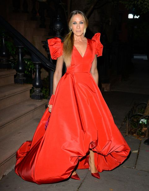 Sarah Jessica Parker Dazzles in a Dramatic Red Gown at New York City ...
