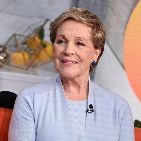 "celebrities visit buzzfeed's ""am to dm""   october 15, 2019"