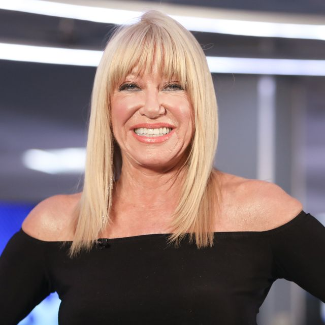 """suzanne somers visits """"extra"""""""