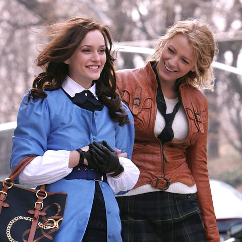 Blake Lively and Leighton Meester shooting Gossip Girl