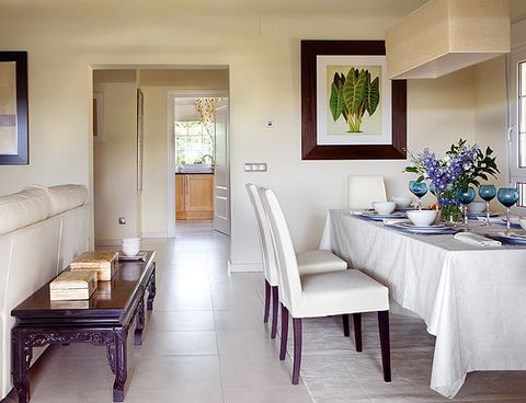 Room, Interior design, Tablecloth, Table, Furniture, Floor, Wall, Interior design, Ceiling, Flooring,