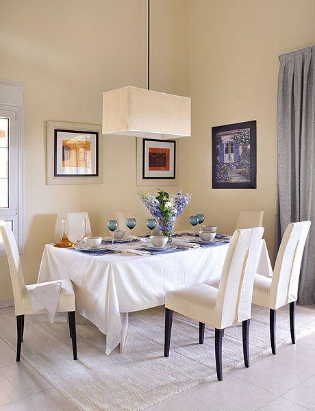 Tablecloth, Room, Interior design, Floor, Textile, Table, Furniture, Linens, Wall, Interior design,