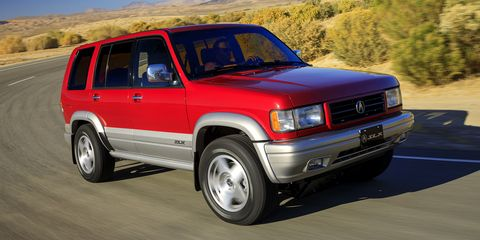 Land vehicle, Vehicle, Car, Sport utility vehicle, Mini SUV, Isuzu trooper, Compact sport utility vehicle,