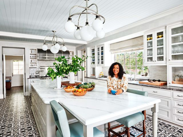 Architectural Digest Gives Us a Look at Shonda Rhimes\' New Home