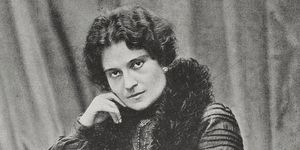 Chi è Ada Negri: poesie e libri della poetessa della classe operaia