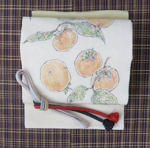 茶格子の着物に柿の帯と帯〆、帯あげ
