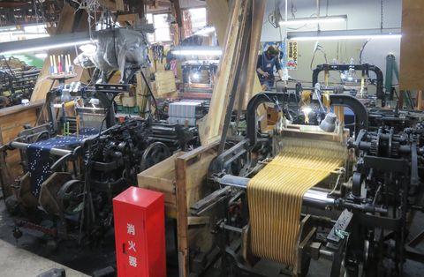 下川織物の動力織機